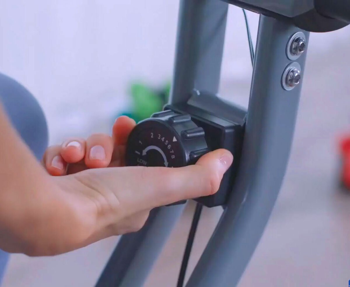 Adjusting tension setting for the SONGMICS Exercise Bike