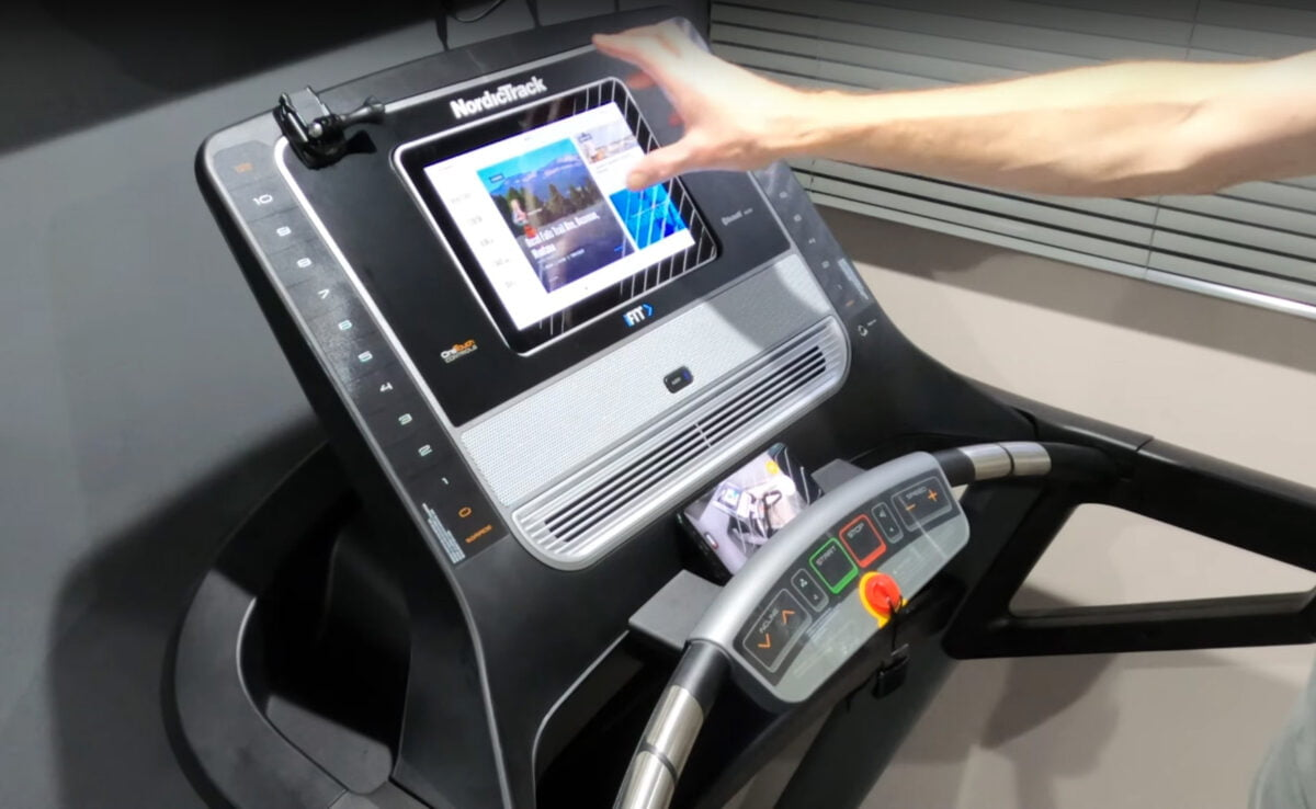 LCD Touchscreen Screen iFit NordicTrack T8 5s Treadmill Review
