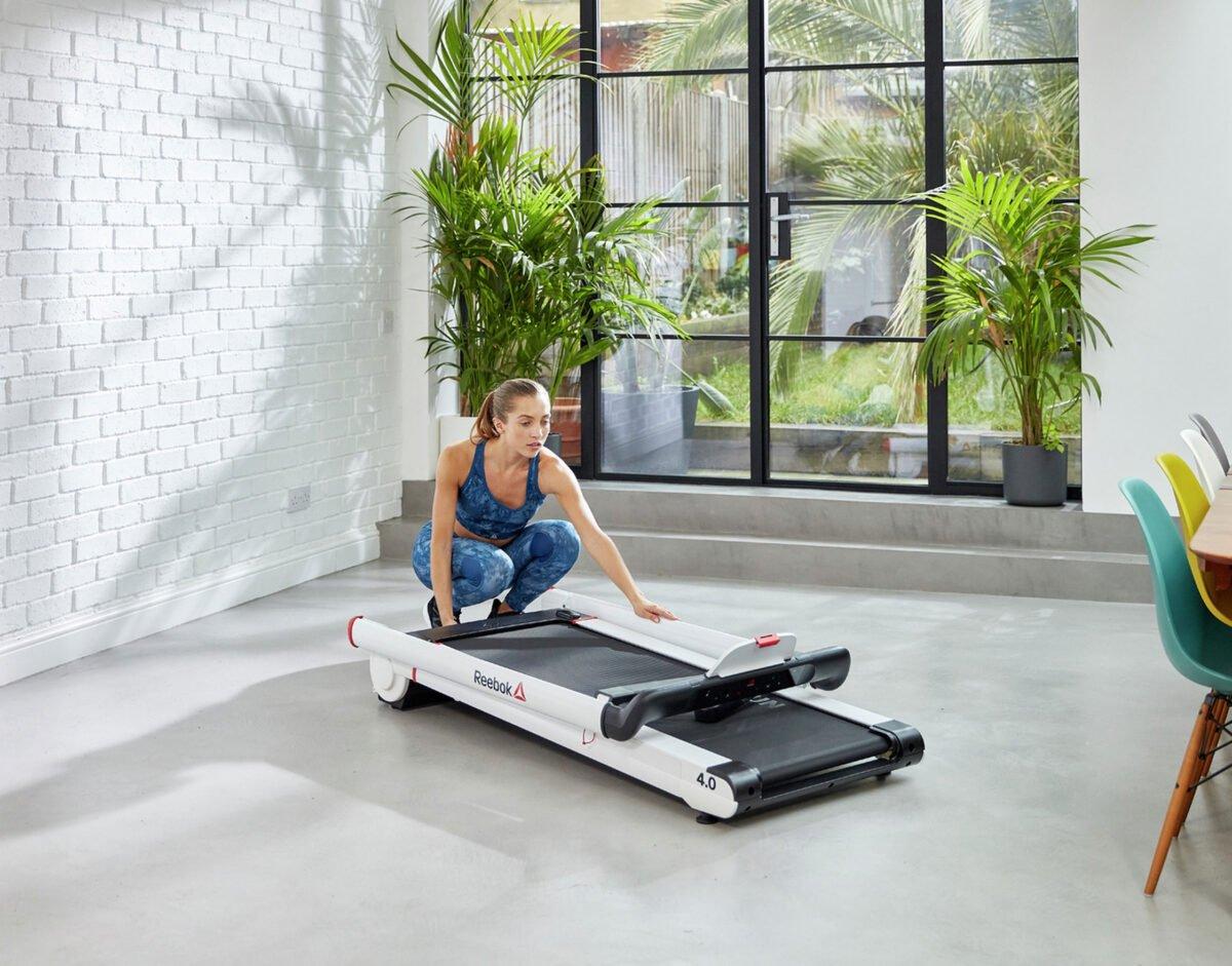 Women using Reebok I Run 4.0 Treadmill